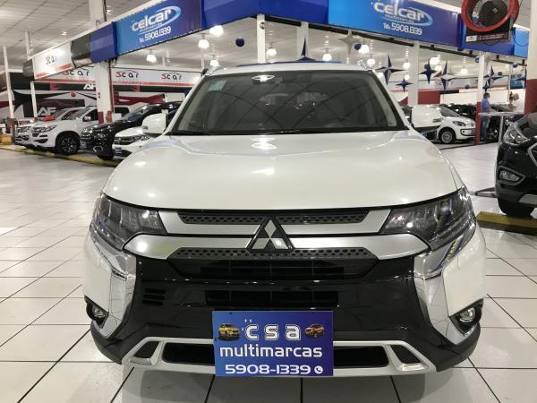 foto do veículo Mitsubishi Outlander 2.2 MIVEC DI-D DIESEL HPE-S AWD AUTOMÁTICO 2.2